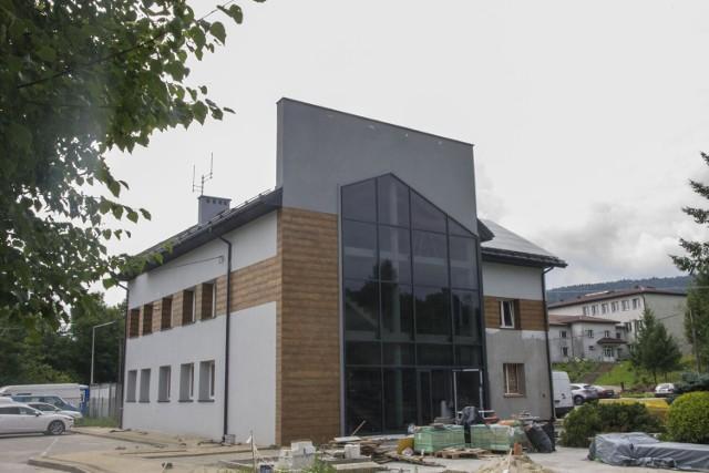 W Sękowej trwa rozbudowa urzędu gminy i kompleksowa modernizacja przedszkola