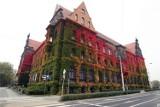 Jesienią jest to najpiękniejszy budynek we Wrocławiu. Zobaczcie!