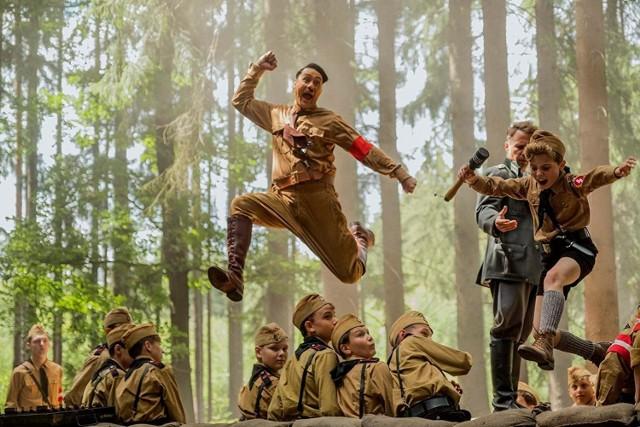 """""""Jojo Rabbit"""" to niekonwencjonalna komedia o narodzinach nazizmu w Niemczech"""