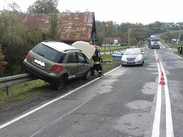Wypadek w Jasienicy Rosielnej. Zderzyły się dwa auta