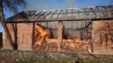 Kolejne pożary w Brudzicach (gm. Lgota Wielka). Płonęła stodoła, poszkodowana 1 osoba [ZDJĘCIA]