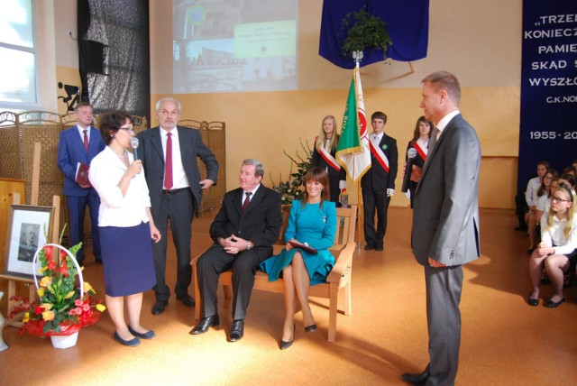 Obecnie dyrektorem ZSCKP jest Jan Went, a jego zastępczynią - Dorota Żulewska (oboje siedzą)