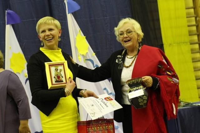 W listopadzie już po raz 15 chętni zmierzą się w Dyktandzie Kaszubskim. Co roku wśród laureatów we wszystkich kategoriach, są osoby z powiatu kartuskiego.