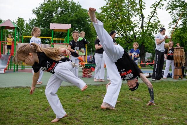 Pokazowy trening Capoeira w Parku Strzeleckim