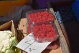 W jakiej cenie są owoce i warzywa na targowisku w Rybniku? Sprawdziliśmy CENY. Mieszkańcy chętnie kupują pierwsze wiosenne zbiory