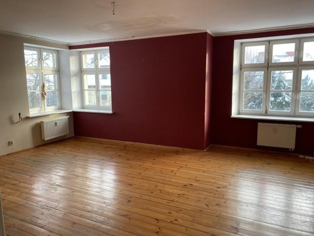 Mieszkanie na I piętrze w budynku przy ul. Raszyńskiej