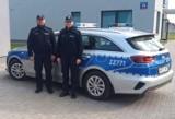 Pacjent opuścił szpital w Grójcu i pieszo szedł do domu. Wyczerpanego mężczyznę uratowali policjanci
