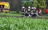 Wypadek na przejeździe kolejowym w Solcu Kujawskim. Samochód uderzył w pociąg [zdjęcia]