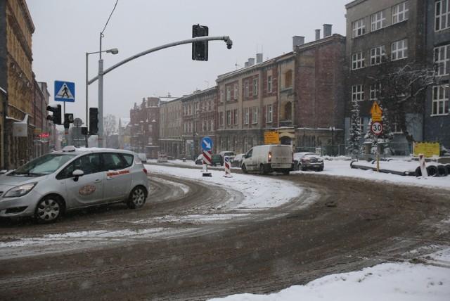 Śnieg na drogach. Za zimowe utrzymanie dróg odpowiada MZiUM Chorzów