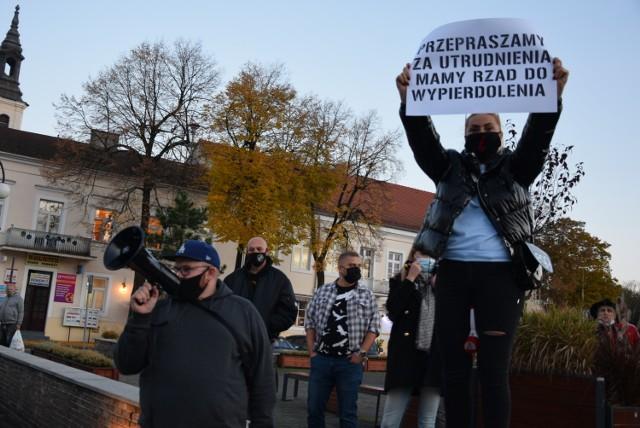 Strajk Kobiet w Wieluniu. Policja prowadzi postępowanie wobec 23 osób. Za co?