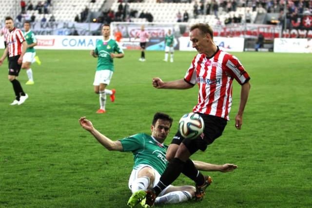 Adam Marciniak grał w Cracovii w latach 2012 - 2015, zagrał dla niej 70 meczów w ekstraklasie, zdobył dwa gole                                                                           `