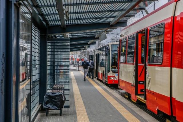 Zarząd Transportu Miejskiego w Gdańsku wprowadza korekty w rozkładach jazdy autobusów i tramwajów, od piątku 20 marca br