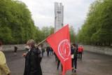 1 Maja w Łodzi: obchody pod Pomnikiem Czynu Rewolucyjnego w parku na Zdrowiu [ZDJĘCIA]