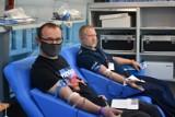 Policja w Kaliszu zorganizowała akcję krwiodawstwa. Funkcjonariusze podzielili się najcenniejszym lekiem. ZDJĘCIA