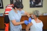Duże zainteresowanie szczepieniem przeciw Covid - 19 w Zduńskiej Woli Karsznicach ZDJĘCIA