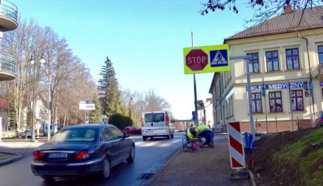 Na skrzyżowaniu ul. Jagiellońskiej i Mickiewicza powstaje sygnalizacja świetlna