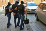 Dwaj Rumuni oszukali ponad 200 osób, w tym m.in. mieszkańców Katowic