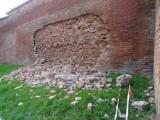 Mur obronny w Chełmnie osunął się. Konserwator uzna to za katastrofę budowlaną? Zdjęcia