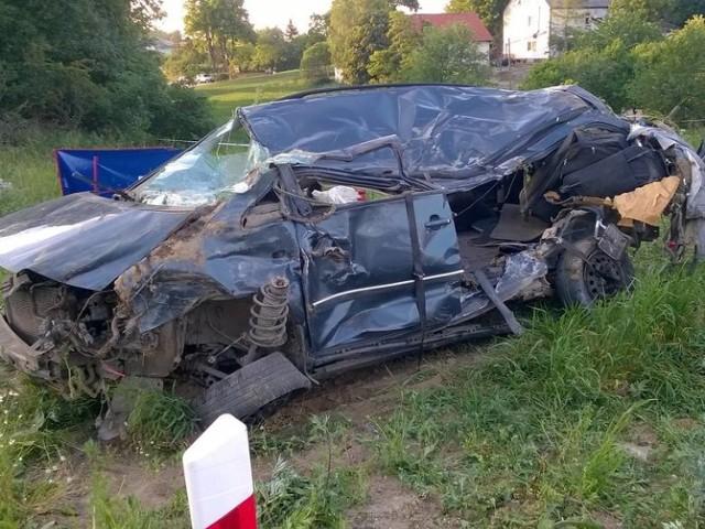 W wypadku na torach w Pniewitem w czerwcu ur. zginęło dwoje dzieci. Teraz ma być zrobiona droga zastępcza do przejazdu kolejowego.