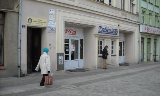 Zdjęcie pochodzi z artykułu: http://www.mmzielonagora.pl/artykul/co-po-delikatesach-propozycje-sa-rozne