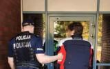 Pijany motocyklista, bez prawa jazdy i kasku zatrzymany w Sopocie. Mężczyzna przewrócił się i uszkodził radiowóz