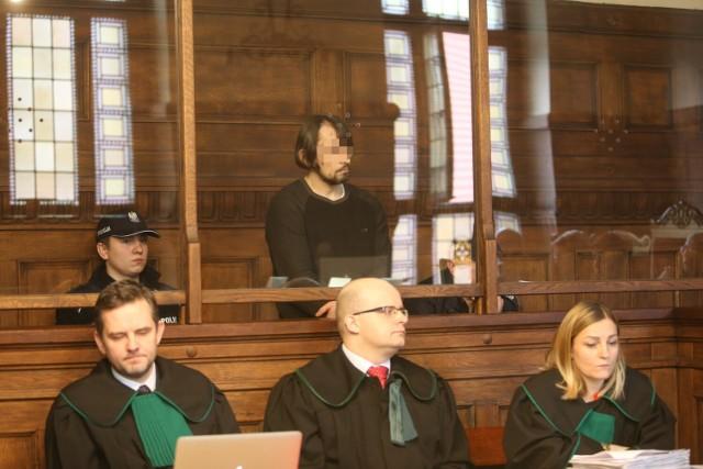 W trakcie procesu oskarżony Dariusz N. nie przyznawał się do zarzucanych mu czynów.