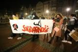 Strajk Kobiet w Bytomiu. Panie spacerowały ulicami miasta. Przyszło niewiele osób [ZDJĘCIA]