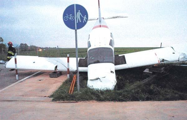 W maju na lotnisku w Aleksandrowicach samolot zarył o ziemię, bo grunt był zbyt mokry