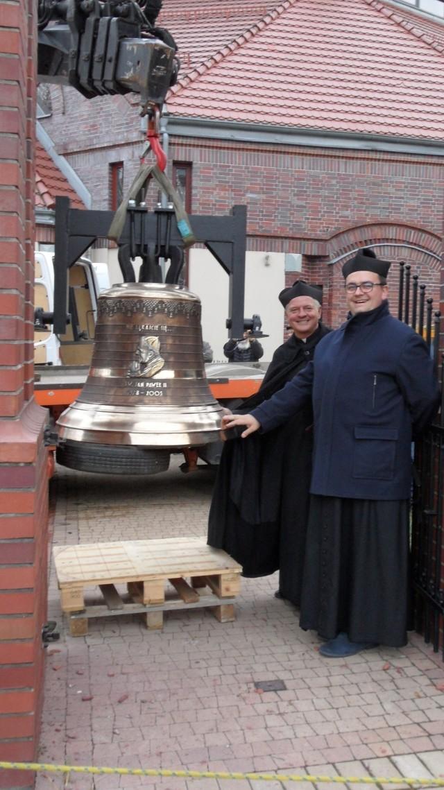 Dzwony w kościele Miłosierdzia Bożego w Tychach