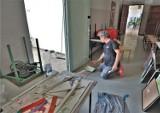 W szkołach i przedszkolach w Koszalinie trwają remonty. Budowlańcy wykorzystują ostatnie dni wakacji [ZDJĘCIA]