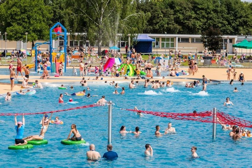 Relaks na świeżym powietrzu, ochłoda w wodzie w ciepłe dni,...