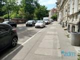 Rozpoczyna się remont chodników na ul. Łąkowej. Pozostawione samochody będą odholowane
