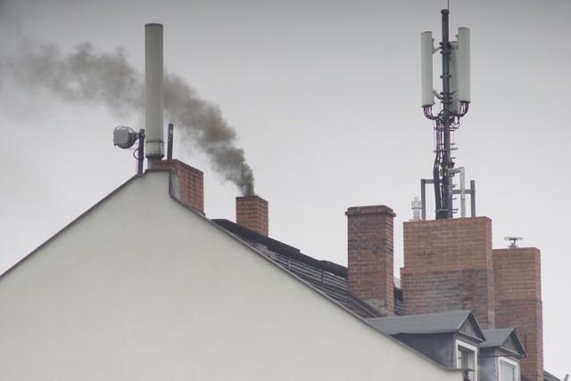 Dotacja na wymianę kopciucha wkrótce stanie się szerzej dostępna, co powinno pomóc w walce o jakość powietrza w Polsce.