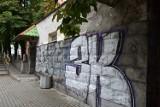 Nikt nie chce wyremontować szaletu miejskiego w Mysłowicach. Czy obiekt będzie nadal straszyć mieszkańców i szpecić miasto?