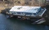 Barka w Porcie Czerniakowskim wystawiona na sprzedaż. Miasto chce się pozbyć opuszczonego obiektu