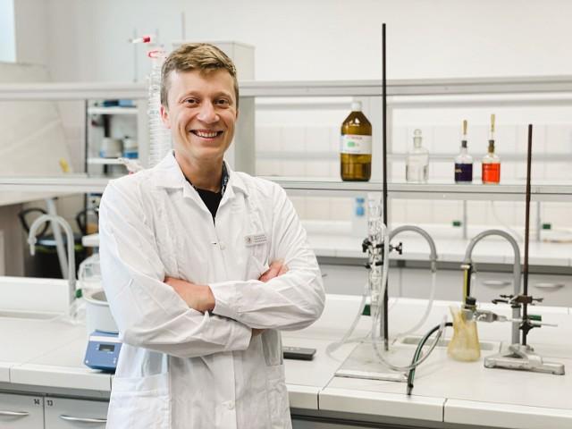 Projekt dr Piotra Biniarza z UPWr, może być ratunkiem dla planety topiącej się w plastikowych śmieciach