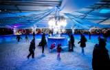 Najpiękniejsze lodowiska w Warszawie 2020. Te ślizgawki musicie odwiedzić [TOP 7]