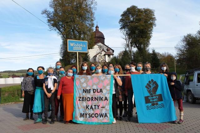 Siostry Rzeki gościły w Myscowej, by okazać wsparcie przeciwnikom budowy zbiornika i zaplanować wspólny protest