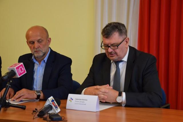 Starosta Krzysztof Lis (z lewej) i były prezes szpitala Radosław Niemiec, tu jeszcze razem