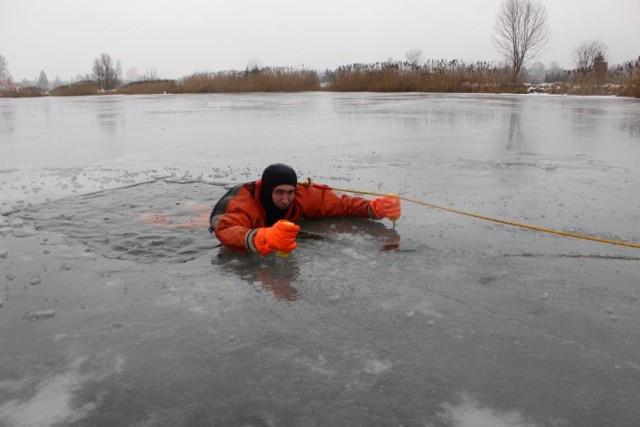 28 stycznia 2018 roku na zalewach w Krynkach oraz Bobrze Wielkiej koło Nowego Dworu przeprowadzono ćwiczenia z zakresu prowadzenia działań ratownictwa wodnego na zamarzniętych akwenach wodnych.