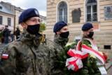 Tarnów świętował 230. rocznicę uchwalenia Konstytucji 3 Maja. Uroczystości przy Grobie Nieznanego Żołnierza i koncert z autobusu [ZDJĘCIA]