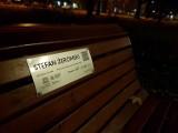 Park Ratuszowy. Postawili ławki dla lokalnych literatów