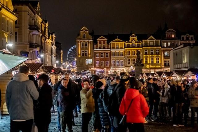 W ten weekend odbędzie się mnóstwo bezpłatnych wydarzeń. Jednym z najważniejszych jest wciąż trwający jarmark świąteczny na Starym Rynku, choć nie brakuje też nowych propozycji dla miłośników fotografii czy historii! Przejdź do galerii z propozycjami --->