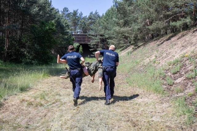 Policjanci z Bydgoszczy i powiatu mają w ciągu miesiąc odbierać wolne za nadgodziny wypracowane przez... pół roku. A jest sezon urlopów... Kto nas będzie strzegł?