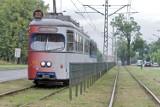 Kraków. Kobieta na hulajnodze elektrycznej uderzyła w tramwaj