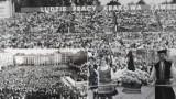 Pochody pierwszomajowe w Krakowie z lat 70. i 80. Uczestniczyły w nich dziesiątki tysięcy ludzi [ZDJĘCIA]