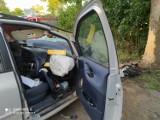 Śmiertelny wypadek w Warczu, gm. Trąbki Wielkie [11.08.2020] Samochód uderzył w drzewo. Nie żyje 35-latek  ZDJĘCIA
