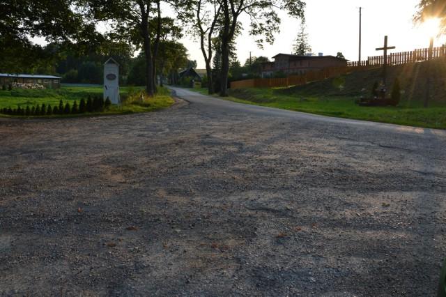 Tak wygląda obecnie fragment drogi tzw. Role-Rozjazd w gminie Miastko