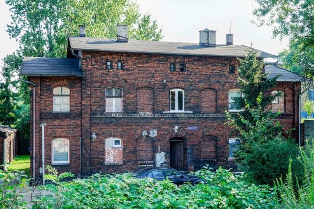Familok przy placu Ogród Dwrocowy 4, w którym mieszkał Kazimierz Kutz