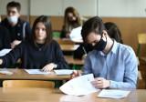 Próbna matura z języka polskiego w III LO im. Juliusza Słowackiego w Piotrkowie ZDJĘCIA